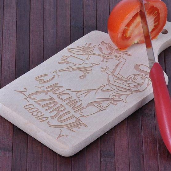"""Deska drewniana """"W kuchni czaruje..."""""""