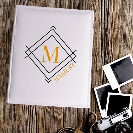 Duży album na zdjęcia z monogramem