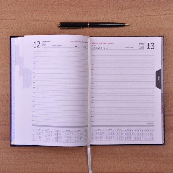 Kalendarz z nadrukiem- kwiatki