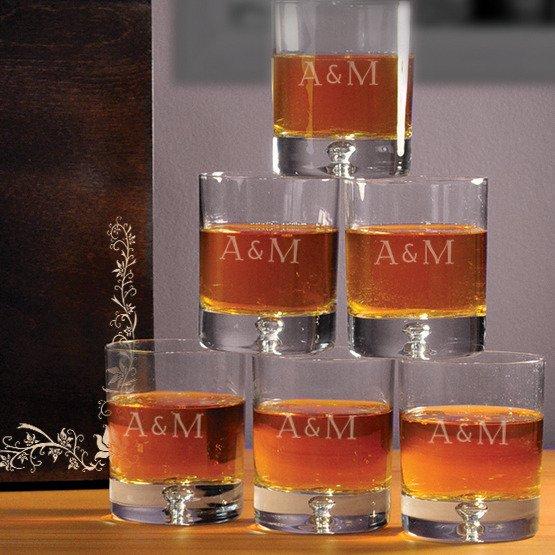 "Komplet sześciu szklanek w pudełku z grawerem ""Młoda Para"""