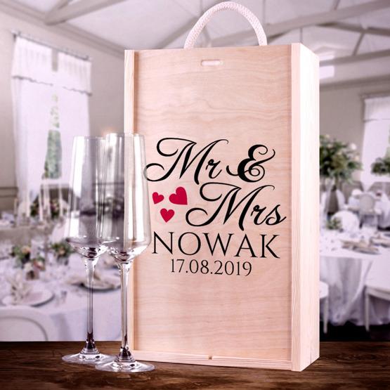 Zestaw ślubny: pudełko z dwoma kieliszkami do szampana - Mr&Mrs